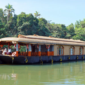 4 Bed Houseboat